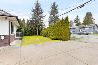 Photo 4: 9572 125 Street in Surrey: Queen Mary Park Surrey House for sale : MLS®# R2536790
