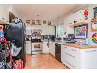 Photo 11: 2449 WAYBURNE Crescent in Langley: Willoughby Heights House for sale : MLS®# F1437139