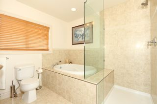 Photo 16: 1178 Dolphin Street: White Rock Home for sale ()  : MLS®# F1111485