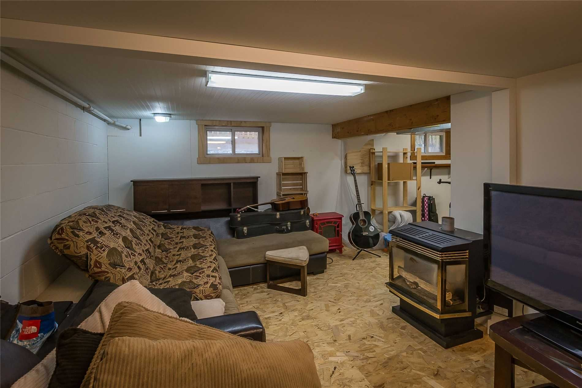 Photo 12: Photos: 5 Waubuno Road in Parry Sound: House (2-Storey) for sale : MLS®# X4488183