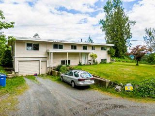 Photo 2: 31050 HARRIS Road in Abbotsford: Bradner House for sale : MLS®# R2588526
