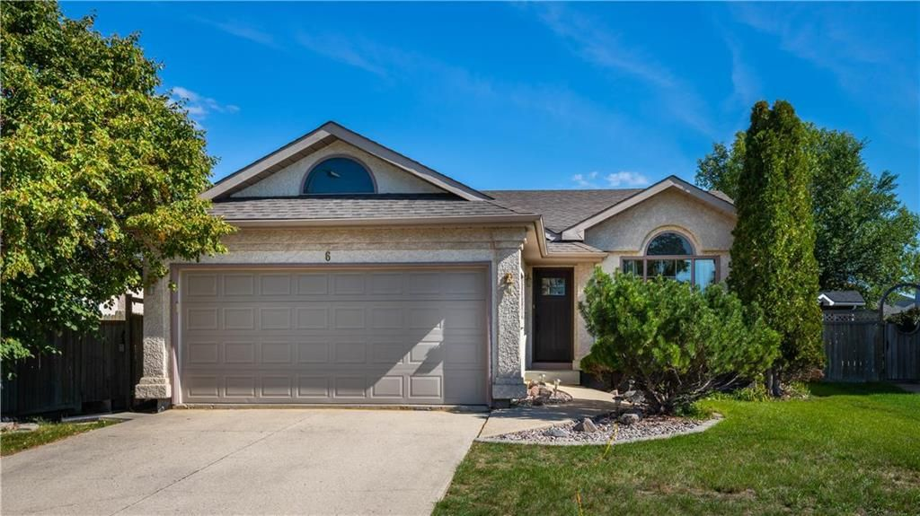 Main Photo: 6 Camirant Crescent in Winnipeg: Island Lakes Residential for sale (2J)  : MLS®# 202122628