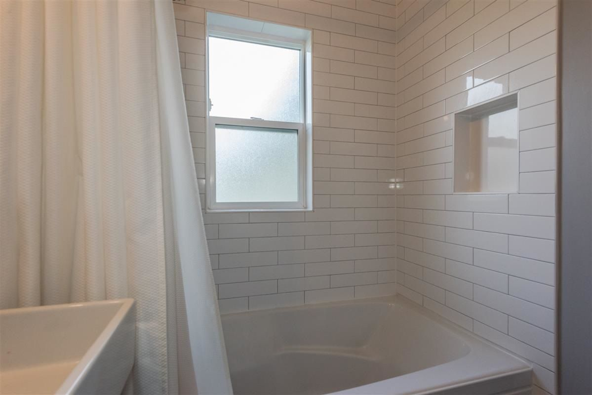 Photo 12: Photos: 2225 E 27TH AVENUE in Vancouver: Victoria VE House for sale (Vancouver East)  : MLS®# R2206387