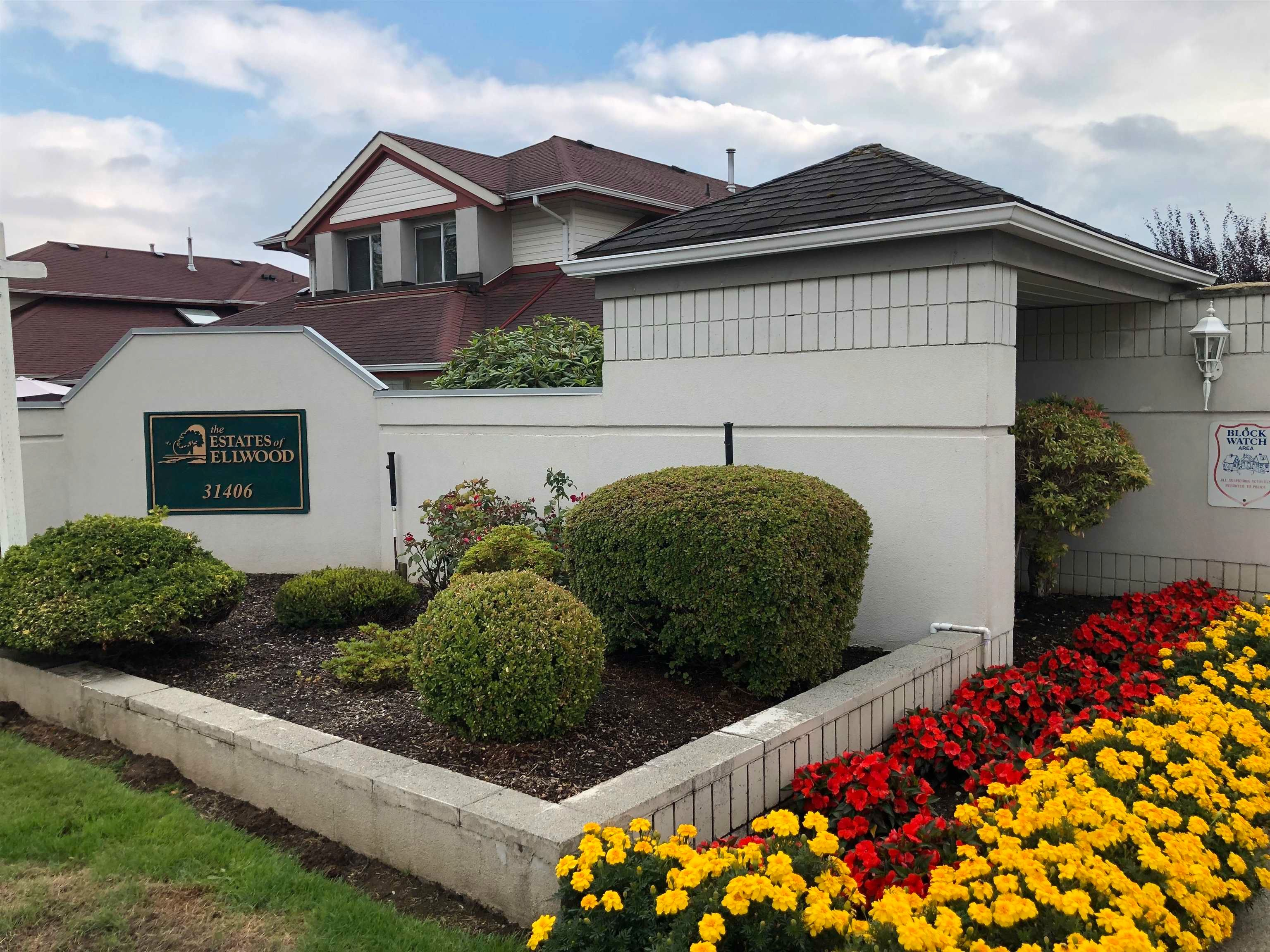 """Main Photo: 28 31406 UPPER MACLURE Road in Abbotsford: Abbotsford West Townhouse for sale in """"Ellwood Estate"""" : MLS®# R2612561"""