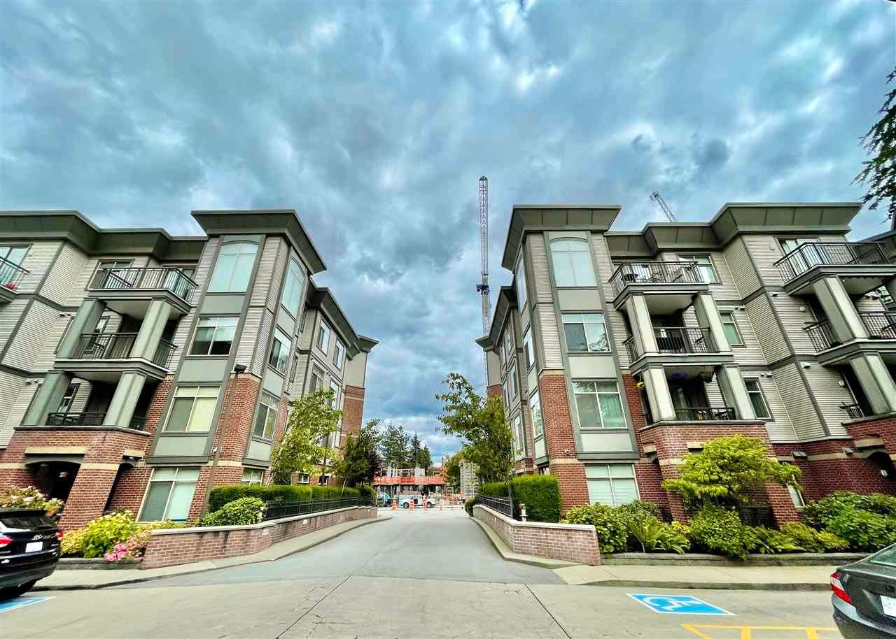 """Main Photo: 102 10455 UNIVERSITY Drive in Surrey: Whalley Condo for sale in """"D'Cor B"""" (North Surrey)  : MLS®# R2591756"""