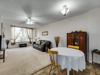 """Photo 4: 209 12148 224 Street in Maple Ridge: East Central Condo for sale in """"PANORAMA"""" : MLS®# R2565889"""