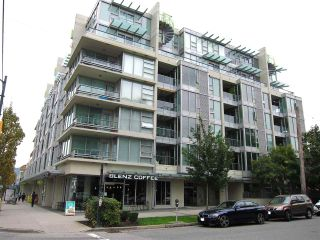 "Photo 1: 402 2528 MAPLE Street in Vancouver: Kitsilano Condo for sale in ""Pulse"" (Vancouver West)  : MLS®# R2397843"