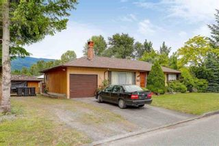 Photo 3: 3314 HANDLEY Crescent in Port Coquitlam: Lincoln Park PQ House for sale : MLS®# R2543112