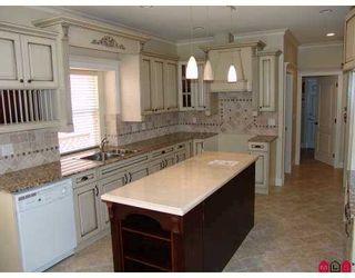 """Photo 2: 7983 166TH Street in Surrey: Fleetwood Tynehead House for sale in """"Fleetwood Tynehead"""" : MLS®# F2713522"""
