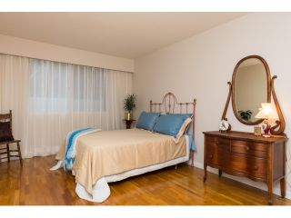 """Photo 13: 911 555 W 28TH Street in North Vancouver: Upper Lonsdale Condo for sale in """"CEDAR BROOKE VILLAGE"""" : MLS®# R2027545"""