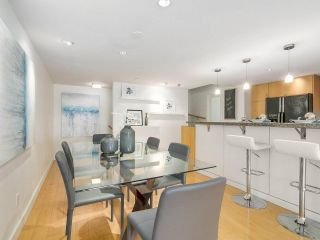 """Photo 10: 2411 W 1ST Avenue in Vancouver: Kitsilano Townhouse for sale in """"Bayside Manor"""" (Vancouver West)  : MLS®# R2191405"""