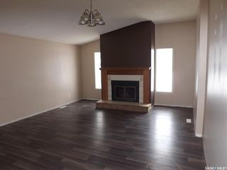 Photo 3: 185 Ross Street in Kisbey: Residential for sale : MLS®# SK800554