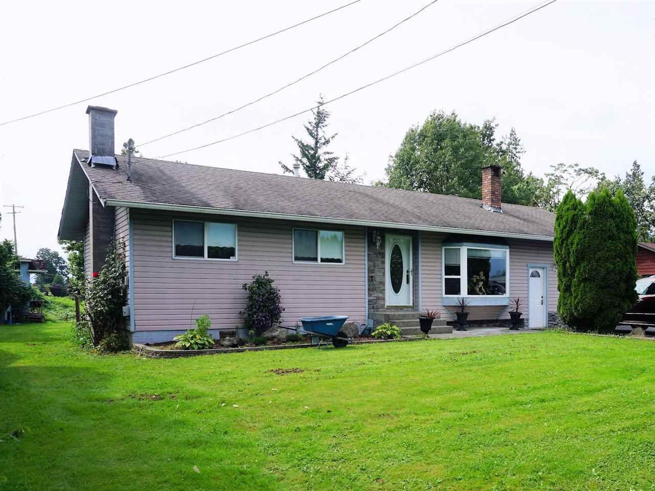 """Photo 2: Photos: 10405 MCGRATH Road in Rosedale: Rosedale Popkum House for sale in """"ROSEDALE POPKUM"""" : MLS®# R2093180"""