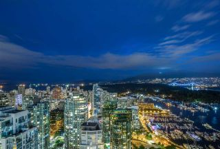 """Photo 12: 3801 1211 MELVILLE Street in Vancouver: Coal Harbour Condo for sale in """"The Ritz"""" (Vancouver West)  : MLS®# R2487231"""