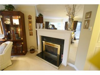 "Photo 3: 42 11751 KING Road in Richmond: Ironwood Townhouse for sale in ""KINGSWOOD DOWNES"" : MLS®# V1031783"