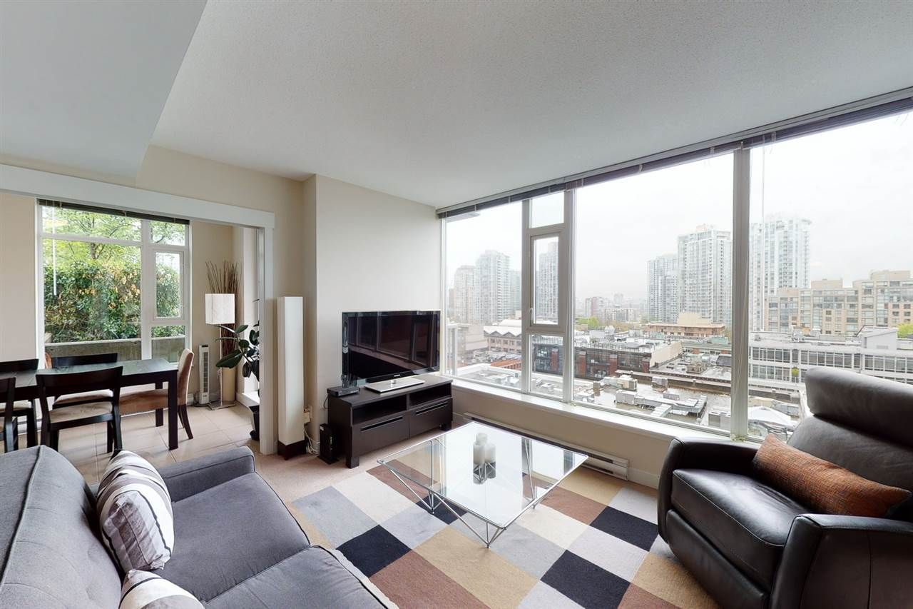 """Main Photo: 904 1133 HOMER Street in Vancouver: Yaletown Condo for sale in """"H&H"""" (Vancouver West)  : MLS®# R2452067"""