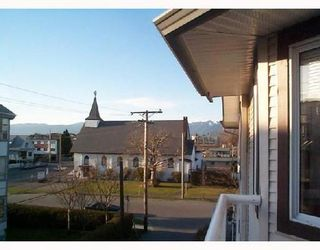 Photo 9: 305 1928 11TH Ave in Vancouver East: Home for sale : MLS®# V697802