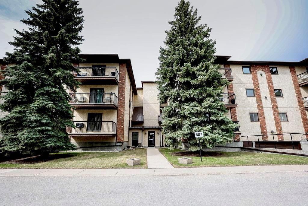 Main Photo: 305 687 St Anne's Road in Winnipeg: St Vital Condominium for sale (2E)  : MLS®# 202111320