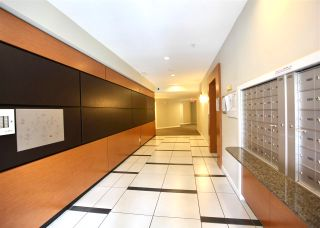 """Photo 3: 102 10455 UNIVERSITY Drive in Surrey: Whalley Condo for sale in """"D'Cor B"""" (North Surrey)  : MLS®# R2591756"""