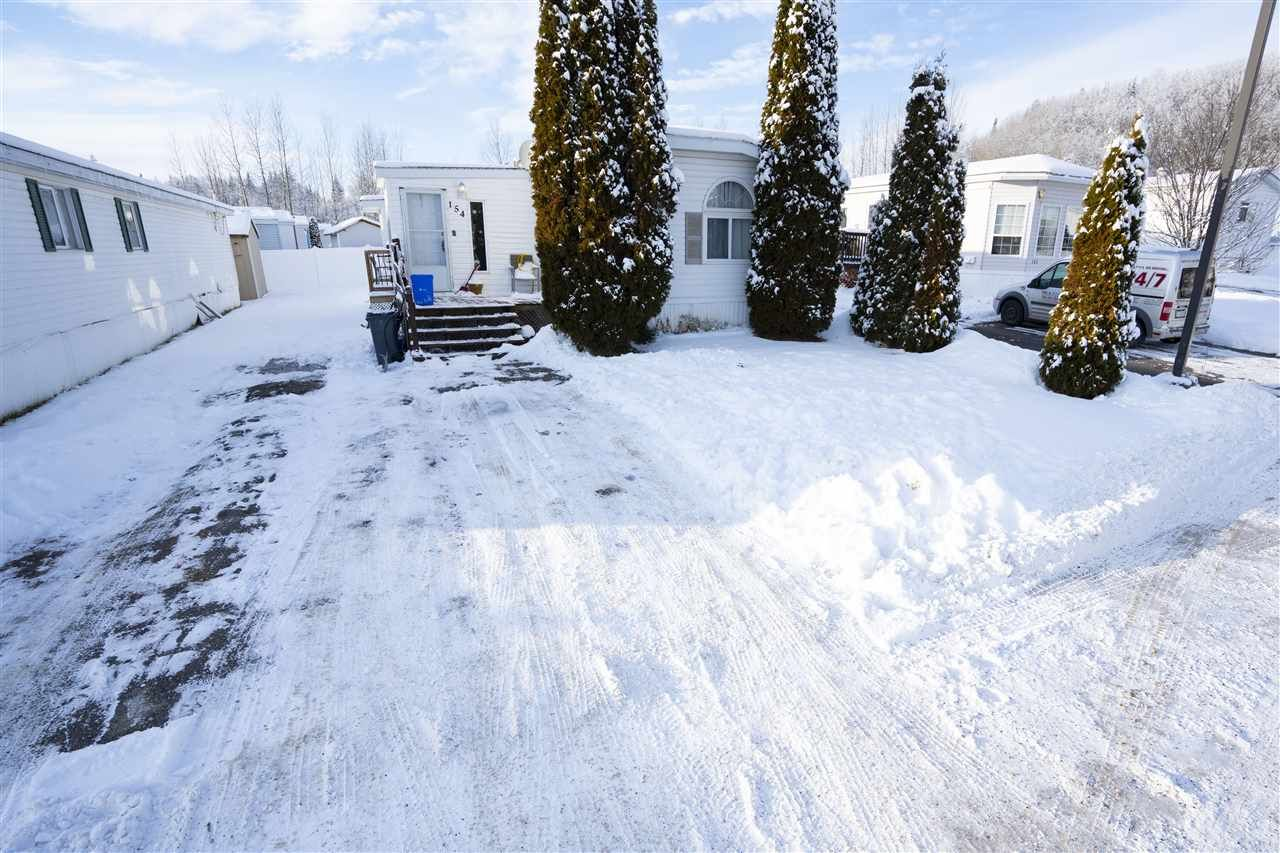 """Main Photo: 154 2500 GRANT Road in Prince George: Hart Highway Manufactured Home for sale in """"HART HIGHWAY"""" (PG City North (Zone 73))  : MLS®# R2423989"""