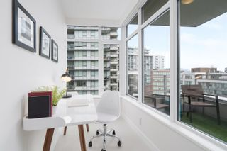 """Photo 14: 1102 111 E 1ST Avenue in Vancouver: Mount Pleasant VE Condo for sale in """"BLOCK 100"""" (Vancouver East)  : MLS®# R2617874"""