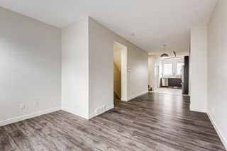 Photo 5: 30 Sherwood Row NW in Calgary: Sherwood Row/Townhouse for sale : MLS®# A1136563