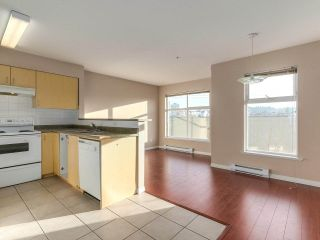 Photo 8: 212 5625 SENLAC STREET in Vancouver: Killarney VE Townhouse for sale (Vancouver East)  : MLS®# R2418906