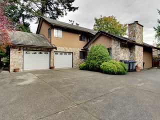 """Photo 1: 2466 148 Street in Surrey: Sunnyside Park Surrey House for sale in """"SHERBROOKE ESTATES"""" (South Surrey White Rock)  : MLS®# R2559956"""