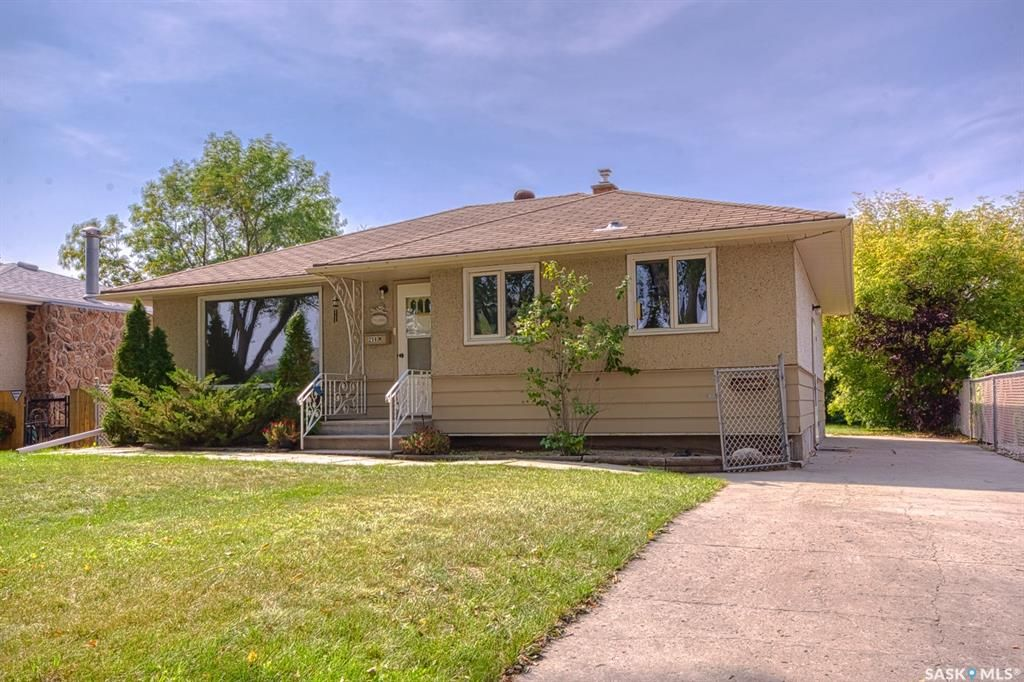 Main Photo: 258 Montreal Street North in Regina: Churchill Downs Residential for sale : MLS®# SK870335