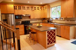 Photo 2: 2366 SUNNYSIDE Road: Anmore House for sale (Port Moody)  : MLS®# R2159024