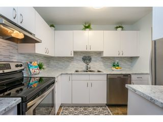 """Photo 9: 105 15991 THRIFT Avenue: White Rock Condo for sale in """"ARCADIAN"""" (South Surrey White Rock)  : MLS®# R2441323"""