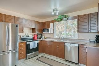 Photo 6: 716 HUNTS Crescent NW in Calgary: Huntington Hills Detached for sale : MLS®# C4299076