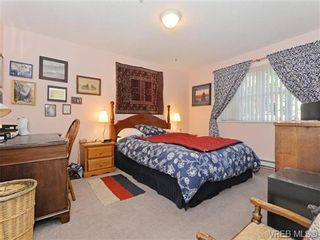 Photo 11: 204 1246 Fairfield Rd in VICTORIA: Vi Fairfield West Condo for sale (Victoria)  : MLS®# 740928