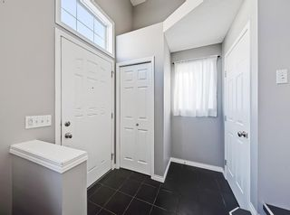 Photo 2: 3072 New Brighton Garden SE in Calgary: New Brighton Row/Townhouse for sale : MLS®# C4300460