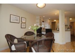 Photo 15: 1 26 Menzies St in VICTORIA: Vi James Bay Row/Townhouse for sale (Victoria)  : MLS®# 494290