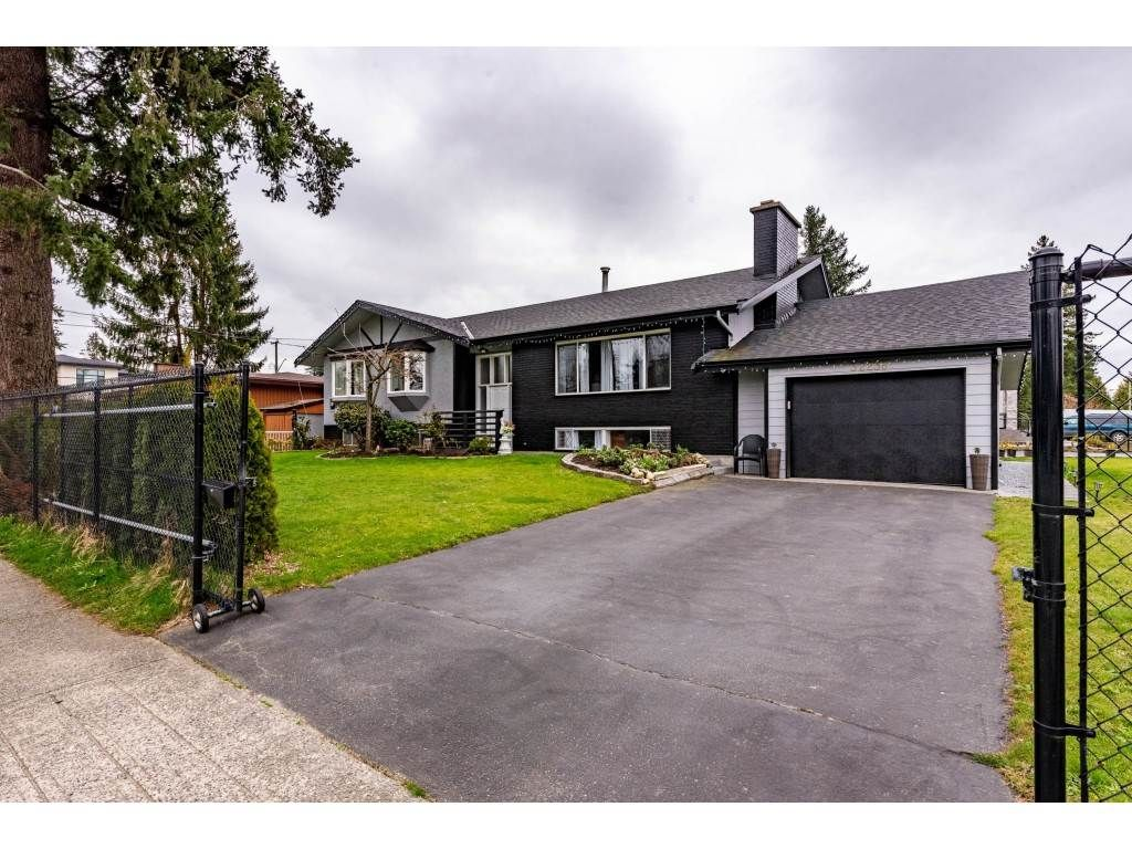 Main Photo: 32238 PEARDONVILLE Road in Abbotsford: Abbotsford West House for sale : MLS®# R2564200