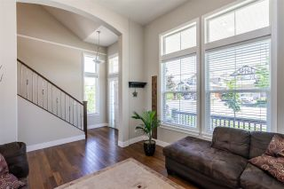 Photo 2: 6057 164 Street in Surrey: Cloverdale BC House for sale (Cloverdale)  : MLS®# R2459853