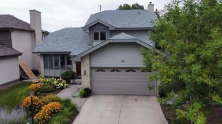 Photo 3: 23 Sloane Crescent in Winnipeg: River Park South Residential for sale (2F)  : MLS®# 202122714