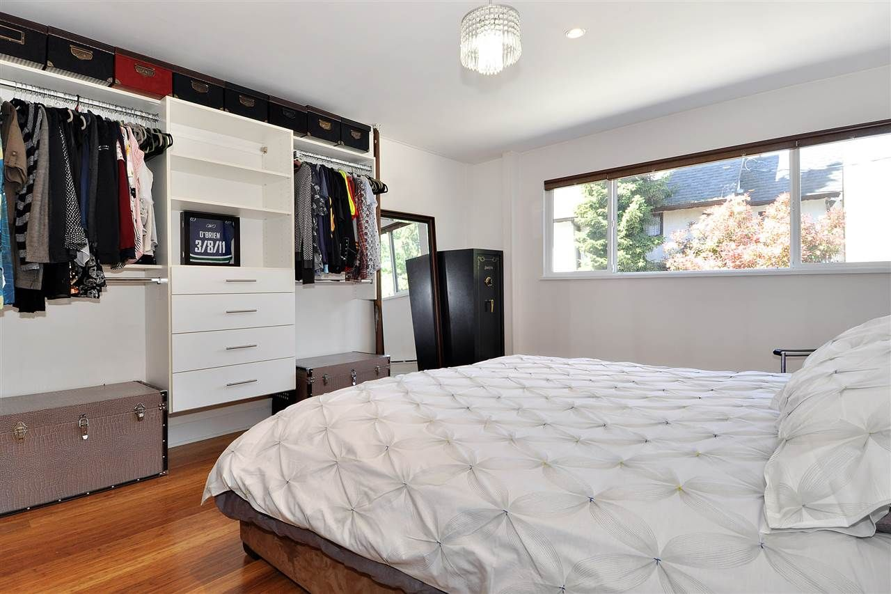 """Photo 13: Photos: 206 225 SIXTH Street in New Westminster: Queens Park Condo for sale in """"ST. GEORGE'S MANOR"""" : MLS®# R2394258"""
