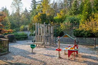 """Photo 28: 503 7488 BYRNEPARK Walk in Burnaby: South Slope Condo for sale in """"GREEN - AUTUMN"""" (Burnaby South)  : MLS®# R2505968"""