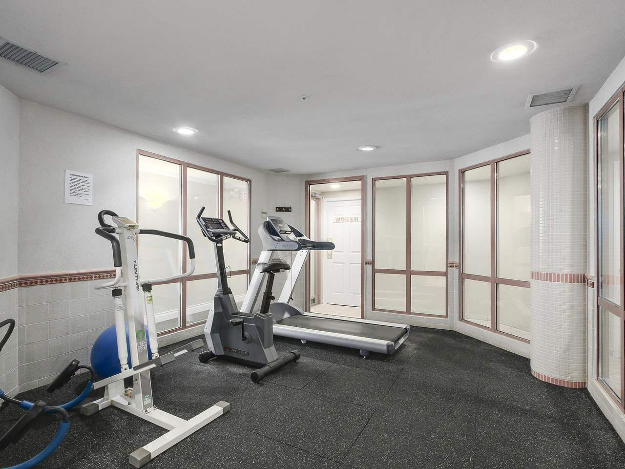 """Photo 14: Photos: 209 1575 BEST Street: White Rock Condo for sale in """"THE EMBASSY"""" (South Surrey White Rock)  : MLS®# R2151526"""