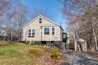 Main Photo: 1 Maple Drive in Dartmouth: 17-Woodlawn, Portland Estates, Nantucket Residential for sale (Halifax-Dartmouth)  : MLS®# 202109416