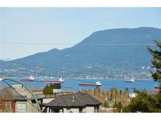 """Photo 3: 3697 W 15TH Avenue in Vancouver: Point Grey House for sale in """"Point Grey"""" (Vancouver West)  : MLS®# V1107915"""