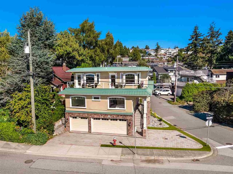 FEATURED LISTING: 15587 COLUMBIA Avenue White Rock