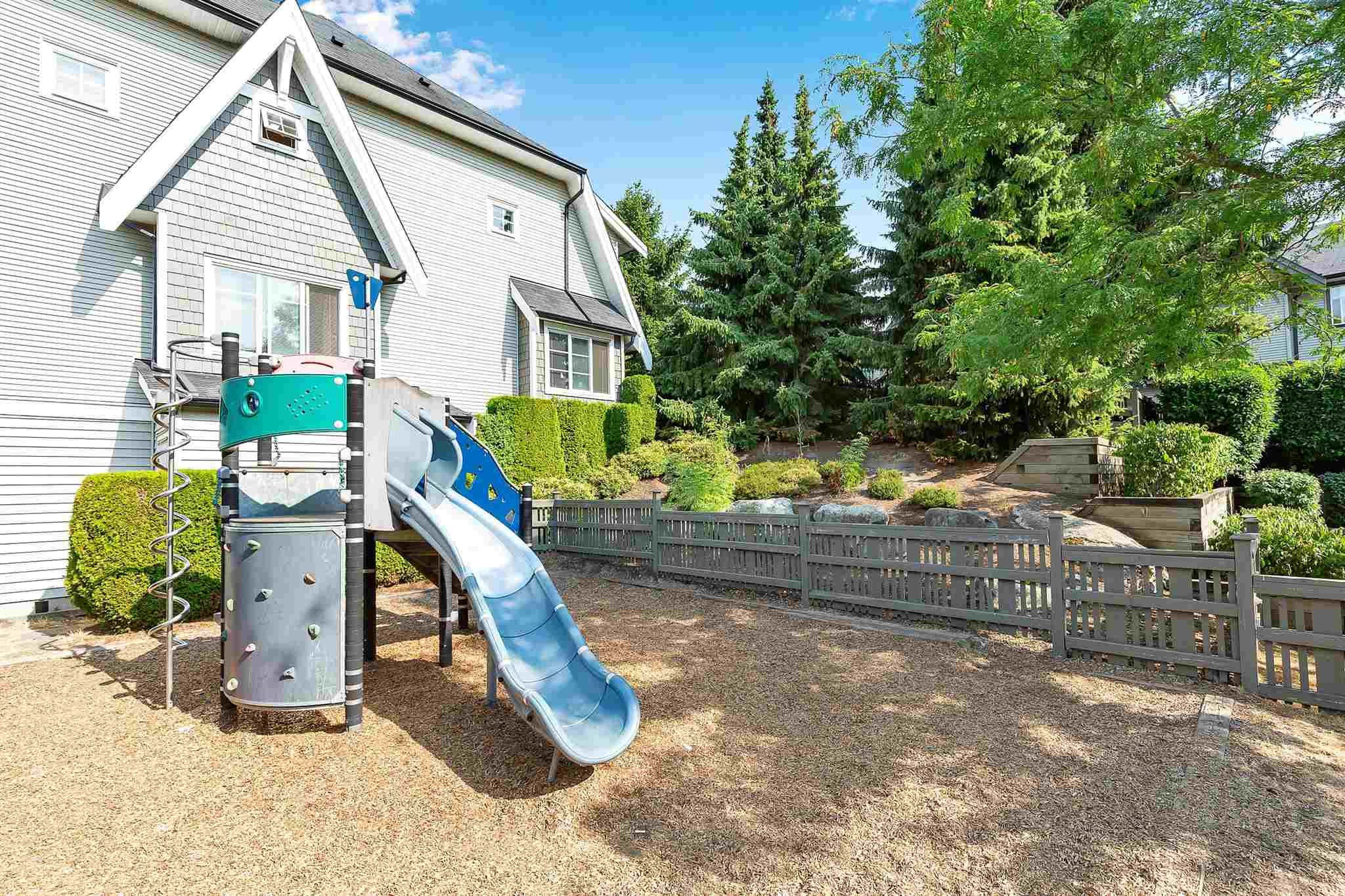 """Photo 31: Photos: 9 15871 85 Avenue in Surrey: Fleetwood Tynehead Townhouse for sale in """"Huckleberry"""" : MLS®# R2606668"""