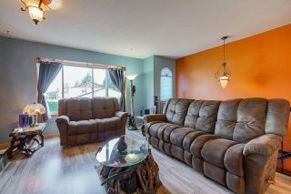 Photo 4: R2571404 - 2953 FLEMING AVE, COQUITLAM HOUSE