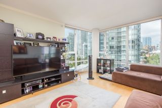 """Photo 5: 908 1033 MARINASIDE Crescent in Vancouver: Yaletown Condo for sale in """"QUAYWEST"""" (Vancouver West)  : MLS®# R2615852"""