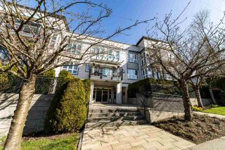 """Photo 3: 304 106 W KINGS Road in North Vancouver: Upper Lonsdale Condo for sale in """"KINGS COURT"""" : MLS®# R2560052"""
