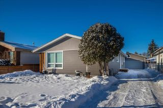 Photo 3: 532 Country Club Boulevard in Winnipeg: Westwood Residential for sale (5G)  : MLS®# 202101583