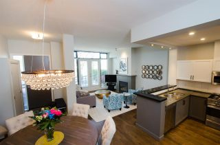 """Photo 1: 2780 VINE Street in Vancouver: Kitsilano Townhouse for sale in """"MOZAIEK"""" (Vancouver West)  : MLS®# R2160680"""